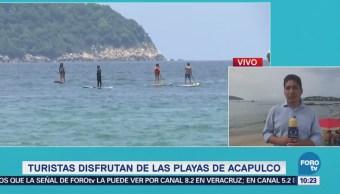 Turistas Disfrutan Playas Acapulco Vacaciones Guerrero
