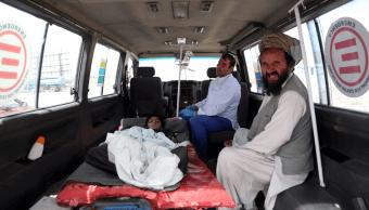 Afganistán confirma 325 muertos en ofensiva de los talibanes