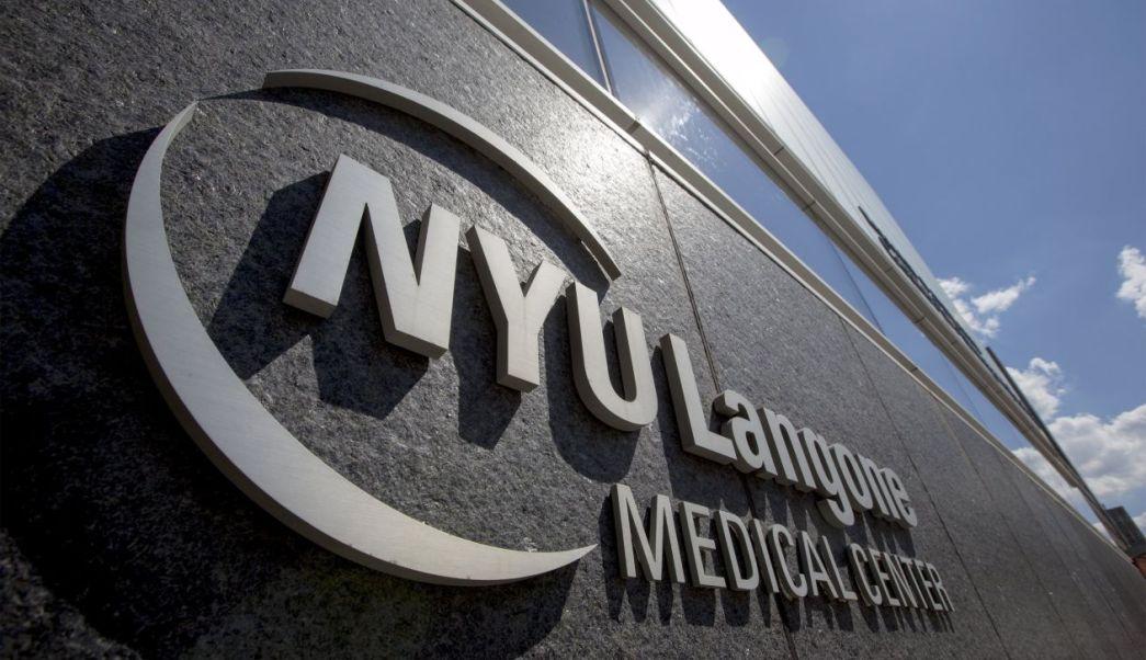 Universidad NY pagará matrícula de estudiantes de Medicina