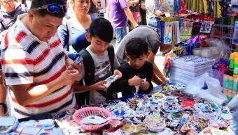 Útiles escolares: Padres de familia realizan compras en CDMX