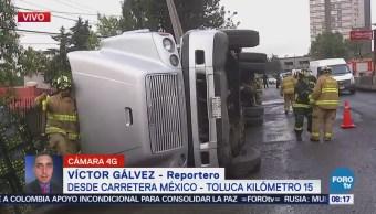 Vuelca camión con limones en la México-Toluca