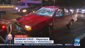 Vuelca vehículo particular en Reforma y Periférico, CDMX
