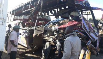 Choque entre un autobús y un camión deja 11 muertos en Kenia