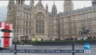Advierten caos en uso de pasaportes británicos por Brexit