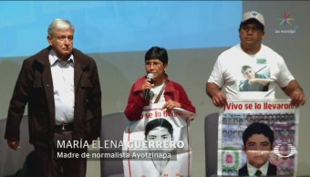 Amlo Se Reúne Padres Normalistas Desaparecidos Ayotzinapa