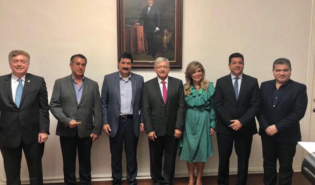 AMLO sostiene reunión privada con gobernadores del norte