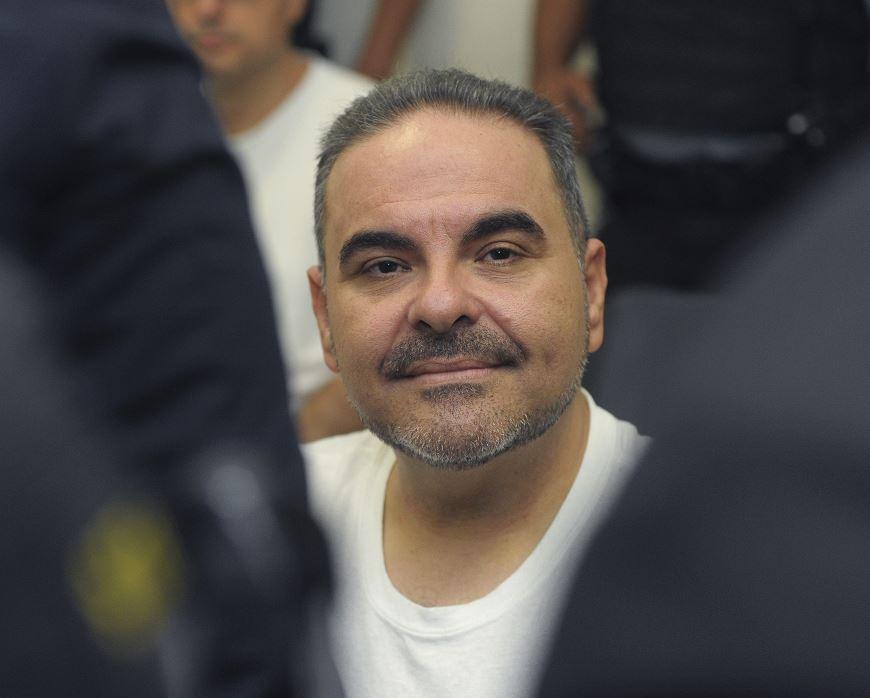 Condenan a expresidente salvadoreño por corrupción