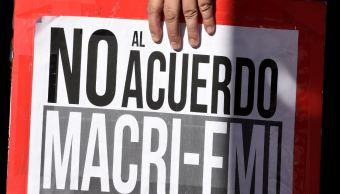 Argentina busca adelantar financiamiento del FMI