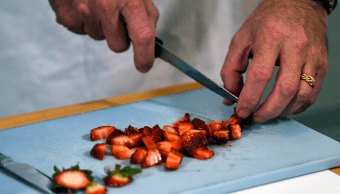 Australia califica de terrorismo agujas insertadas en fresas