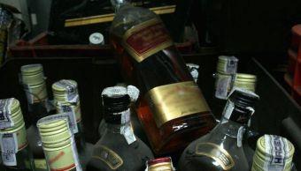 Mueren 13 personas por consumir alcohol adulterado en Irán