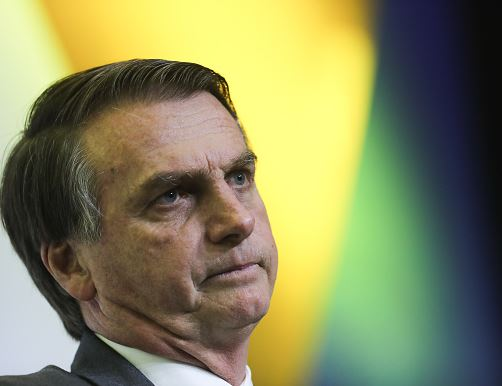 Bolsonaro sigue en terapia intensiva y estable