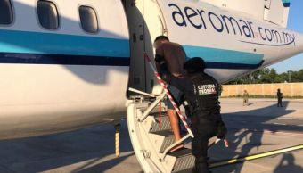Trasladan a penales federales a 55 reos de Cancún