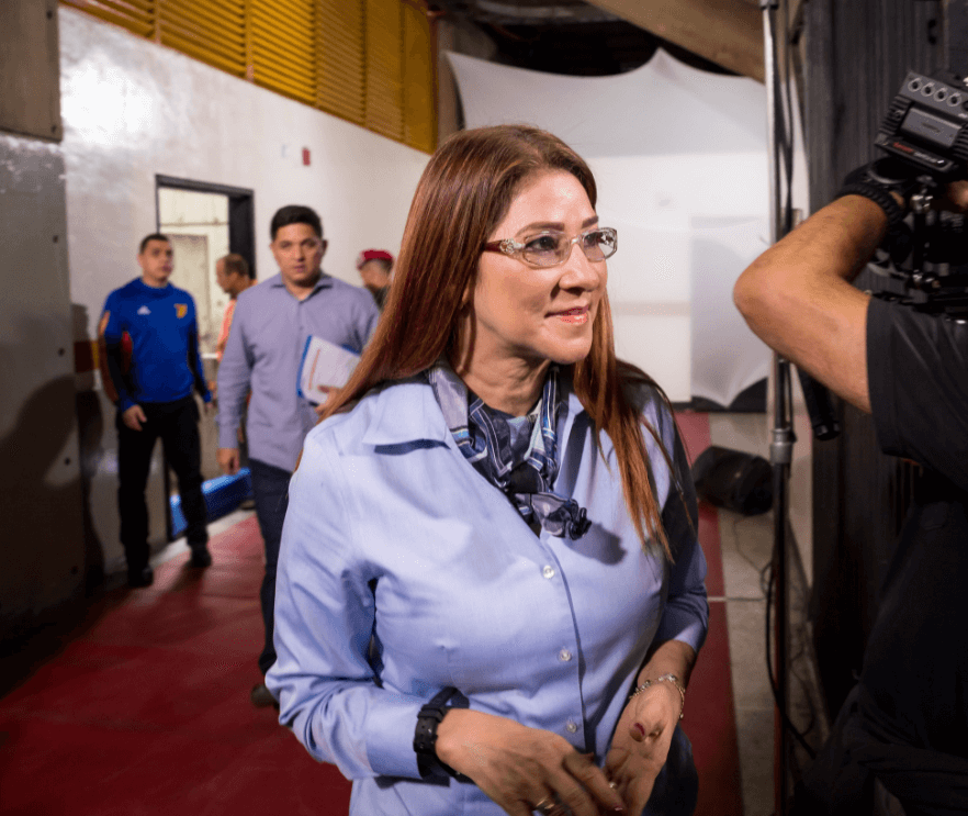 Trump asegura que Maduro no resiste un golpe y dicta sanciones