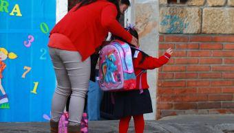 Baja California suspende clases en Ensenada por Rosa