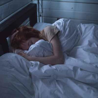 Cómo dormir correctamente para evitar problemas de salud