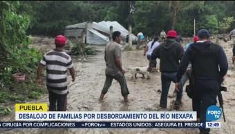 Desalojan a familias por desbordamiento del río Nexapa, en Puebla