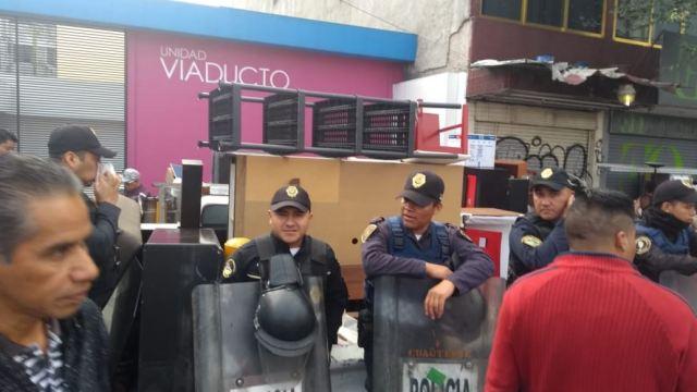 Desalojan a habitantes de un edificio en Calzada de Tlalpan