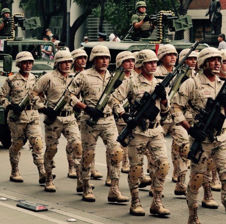 Fotogalería: Desfile militar por 208 aniversario de la Independencia de México