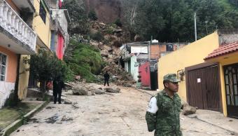 Deslave en colonia Olímpica Radio, en Naucalpan