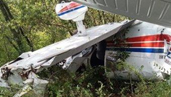Cae avioneta en Querétaro; tripulantes resultan ilesos