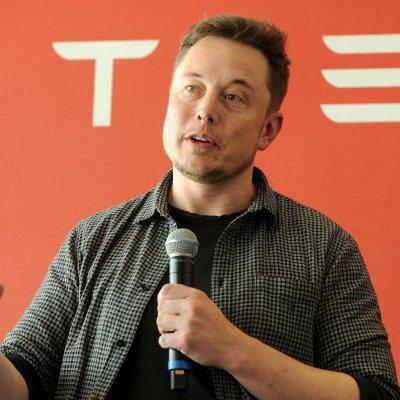 Acusan a Elon Musk de fraude por anunciar en Twitter que Tesla saldría de la Bolsa