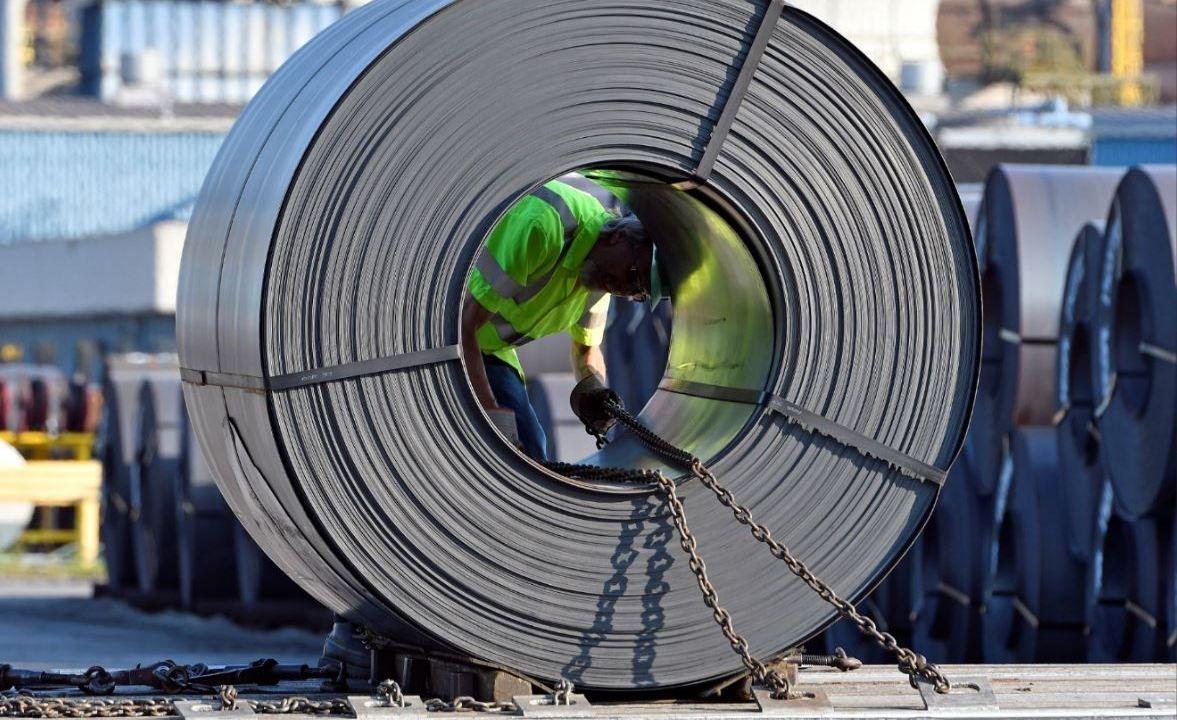 Empresas de EU aplazaron inversión por guerra comercial: Fed