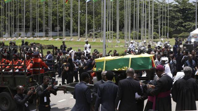Sepultan a Kofi Annan en emotivo funeral de Estado en Ghana
