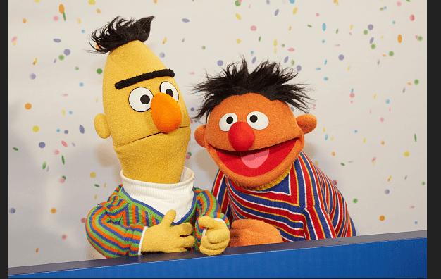 Beto y Enrique, de Plaza Sésamo, son pareja gay, lo ha confirmado el guionista
