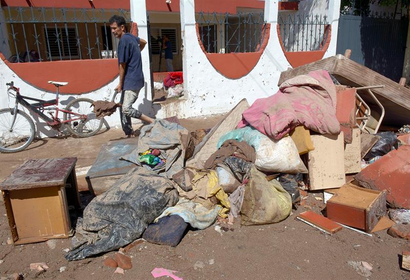 Inician labores de limpieza en las comunidades afectadas