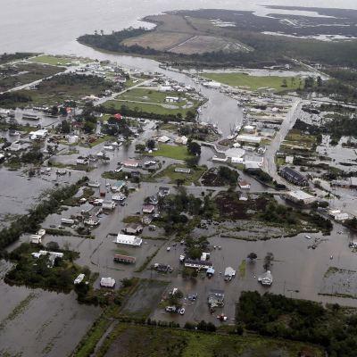 Suman seis muertos por tormenta tropical 'Florence' en Estados Unidos