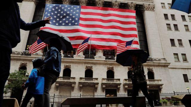 Wall Street registra jornada mixta, avanza sector bancario