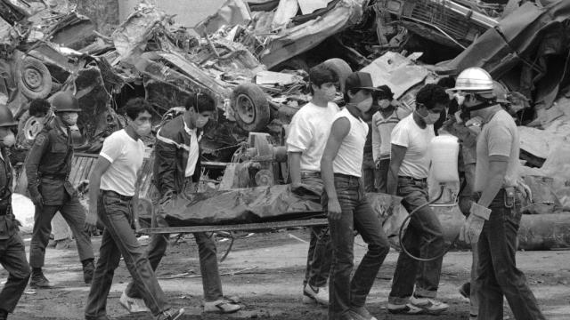 Bombero español recuerda labores tras sismo de 1985