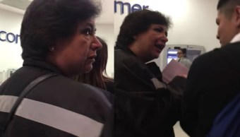 Mujer insulta golpea joven banco llaman #LadyCajero