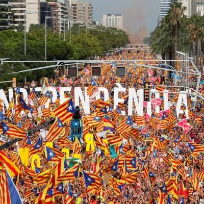 Justicia española envía a juicio a 18 líderes independentistas catalanes