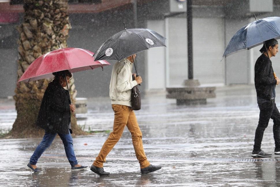 Continuarán las lluvias este domingo en la CDMX