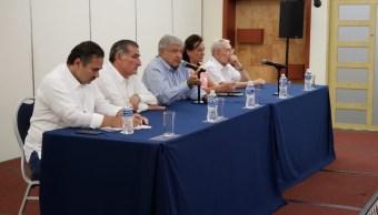 AMLO anuncia planes energéticos ante petroleros en Tabasco