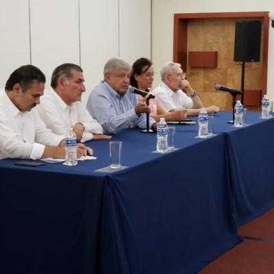 AMLO anuncia planes del sector energético en México ante petroleros