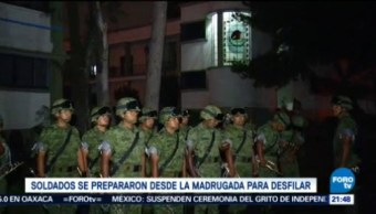 Soldados Prepararon Madrugada Desfilar Zócalo CDMX