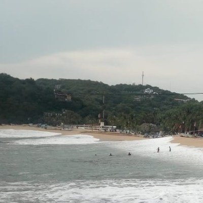 Alerta en costas de Oaxaca por mar de fondo durante fin de semana