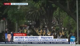 Marchan Sobre Insurgentes Desaparición Normalistas Estudiantes