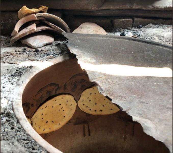 Mujeres afectadas por sismo en Oaxaca reciben apoyo para elaborar totopos