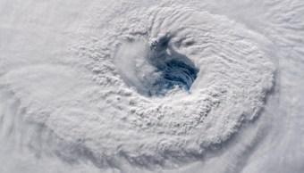 Huracán Florence se debilita a categoría 3