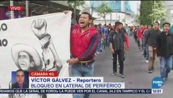 Padres de los 43 normalistas desaparecidos protestan en CDMX