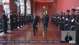 Peña Nieto recorre Palacio Nacional para presentar Informe de Gobierno