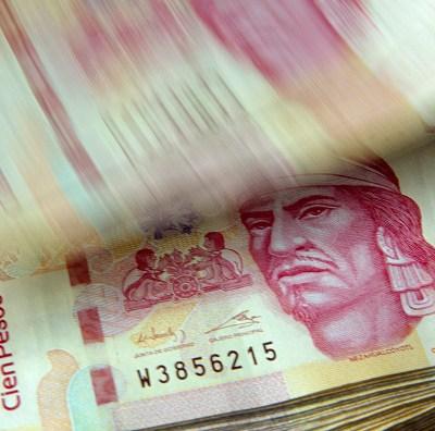 Peso mexicano avanza frente al dólar, que cotiza en 18.82