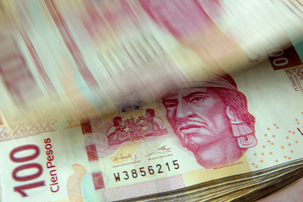 Peso mexicano avanza frente al dólar, que cotiza hoy a 18.82