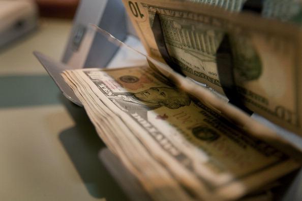 Peso mexicano se deprecia frente a fortaleza del dólar