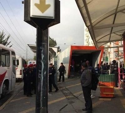 Policías y civiles se enfrentan en alrededores del Metro Potrero