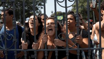 Brasil: Manifestantes intentan ingresar a museo incendiado