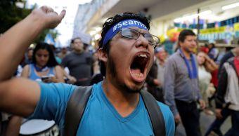 Marcha en Guatemala para pedir renuncia de Jimmy Morales